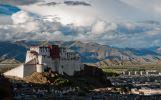 Ohromující Potála – poznejte palác nad oblaky, který má 1000 místností
