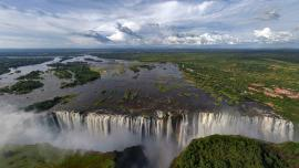 The Kingdom ****, Victoria Falls