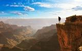 Osm nejúžasnějších vyhlídek světa: Patří mezi ně 150 hřmících vodopádů i zátoka smaragdů