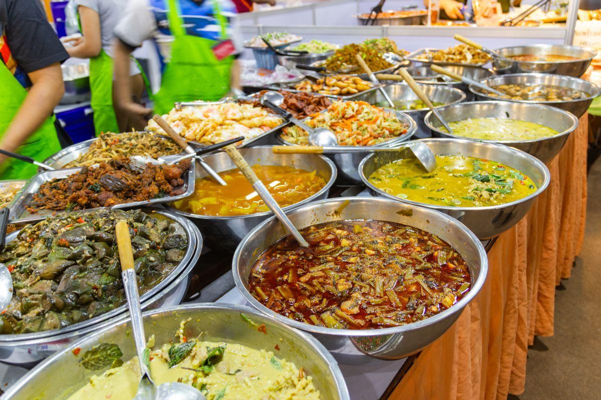 Pouliční stánky s jídlem
