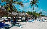 Letovisko Playa del Este: Krčí se ve stínu Varadera a mají tu jediný fastfood na Kubě