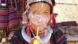 Opiový kouř nad Zlatým trojúhelníkem: Jak chutná opium a jak vypadají žirafí ženy?