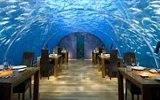 Pět nejšílenějších restaurací: Staňte se kanibalem, jezte pod vodou nebo v rakvi