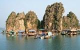 Vietnam, to jsou luxusní pláže i unikátní plovoucí vesnice v Dračí zátoce