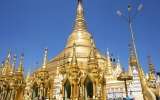 Šest tisíc diamantů na stometrové věži se třpytí nad barmskými plážemi
