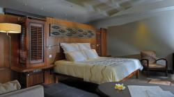 Beach Front Suite with Pool-1