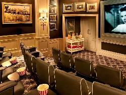 Facilities-cinema01