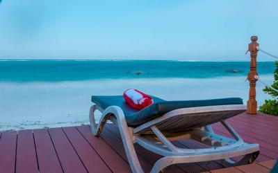 Výhled na pláž ze sluneční terasy | Zawadi Beach Villas Matemwe