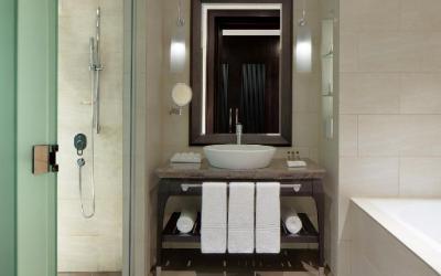 Sheraton Sharjah - Deluxe Room koupelna