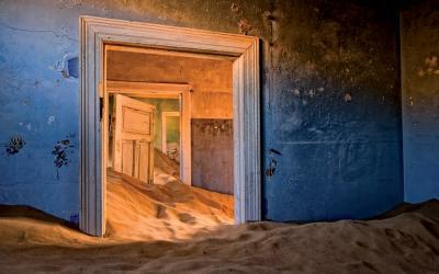 Magické městečko duchů Kolmanskop, kde v roce 1908 odstartovala fascinující diamantová horečka  | Namibie