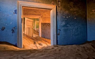městečko duchů zrozené ve víru diamantové horečky | Kolmanskop