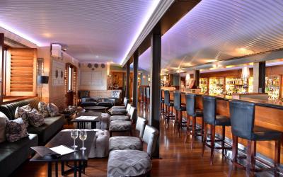 The_Cape_Grace_Hotel_Bascule_Bar_