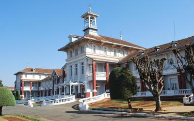 Budova starých lázní | Madagaskar - Antsirabe 5