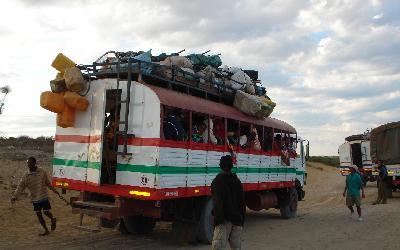 Tuleár dálkový autobus Toliara-Morondava (260km) | Madagaskar - Tulear