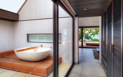 VOMO-The-Palms-Bath