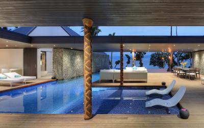 VOMO-The-Palms-Pool