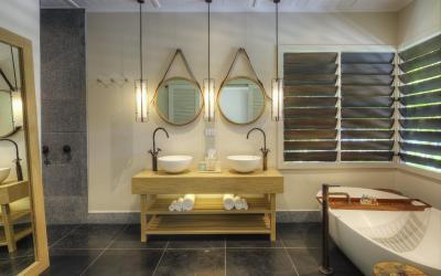 VOMO-Villa-Bathroom