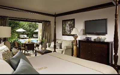 Caribbean Honeymoon Beachfront Grande Luxe Club Level Room | Sandals Grande Antigua