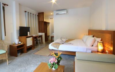 pool-side-rooms03