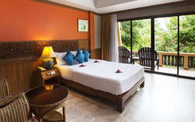 grand_deluxe_room_11