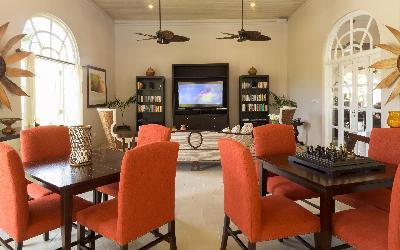 Lounge | 760 Spice Island