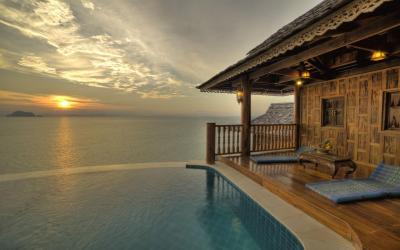 royal_grand_pool_villa_suite-balcony1
