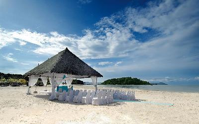 Berjaya-Langkawi-Resort-Wedding - Beach Setup