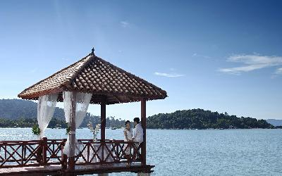 Berjaya-Langkawi-Resort-Wedding - Gazebo Setup