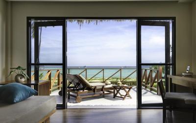 beachfront_junior_suite_01