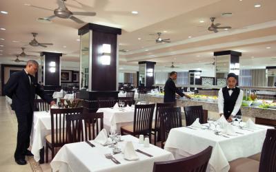 NAI_11_020 - Main restaurant