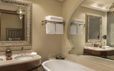 Ajman Saray - Deluxe Room koupelna