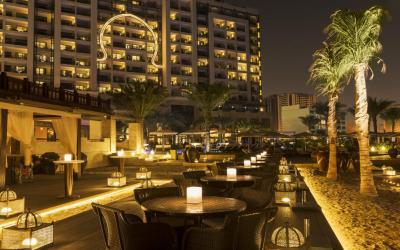 Ajman Saray - Bab Al Bahr plážová restaurace