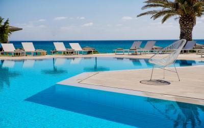 bay - bazén s výhledem na moře