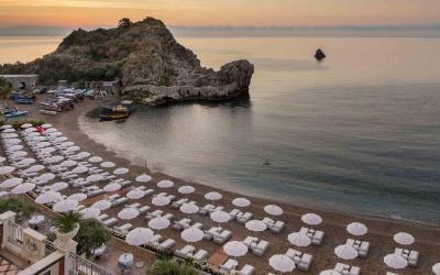 Mazzaro_Sea_Palace_pláž