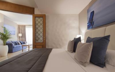 Mazzaro_Sea_Palace_suite