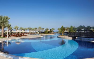 Waldorf Astoria Ras Al Khaimah - bazén
