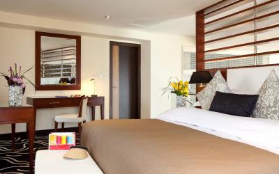 Ramada Plaza Jumeirah Beach Residence - Loft Suite - ložnice