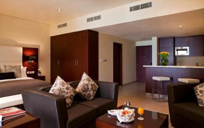 Ramada Plaza Jumeirah Beach Residence - Deluxe Studio