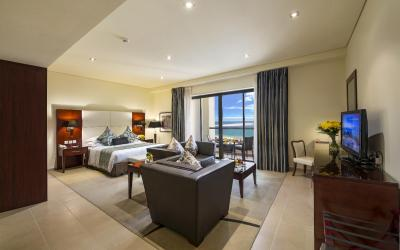 Ramada Plaza Jumeirah Beach Residence - Executive Deluxe Studio