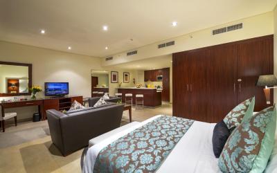 Ramada Plaza Jumeirah Beach Residence - Executive Deluxe Studio