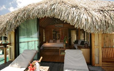 BOB Pearl Bora Overwater Bungalow Interior2.gallery_image.1