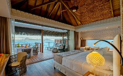 PPT Intercontinental Tahiti Motu Overwater Bungalow Bedroom.gallery_image.1