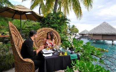 PPT Intercontinental Tahiti Romantic Moment.gallery_image.1