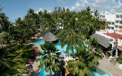 Hlavní bazén a hotelové budovy | Bamburi Beach Hotel