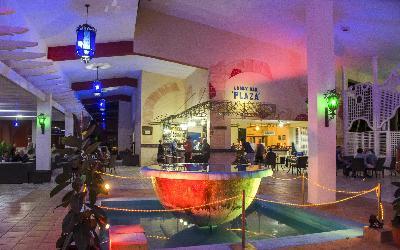 lobby bar noche