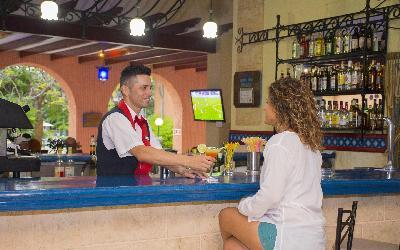 Lobby Bar Roc Barlovento 2
