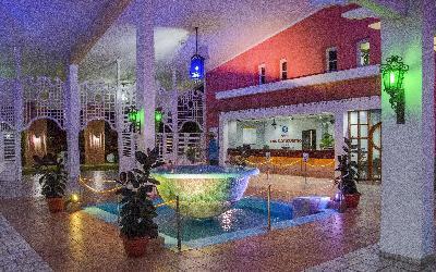 lobby noche