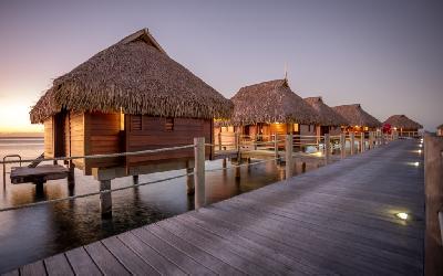 Manava Beach Resort Moorea - Overwater Bgls 3.gallery_image.1