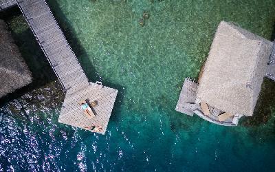 Manava Beach Resort Moorea - Overwater Bgls 8.gallery_image.1