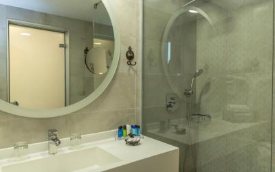 koupelna pokoje executive sharing pool